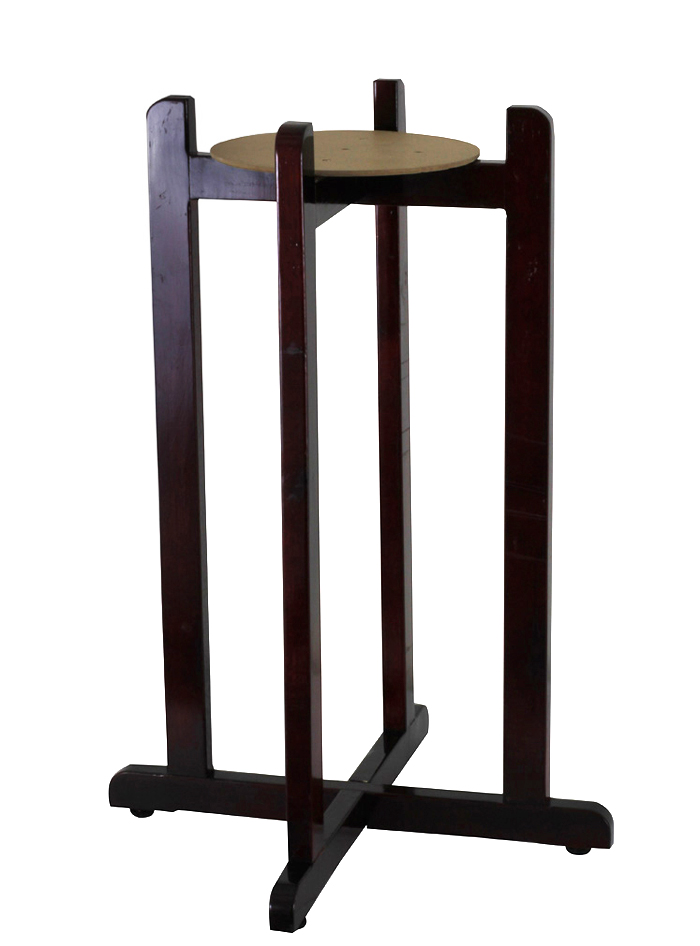 Decorative Metal floor stand for ceramic waterwell